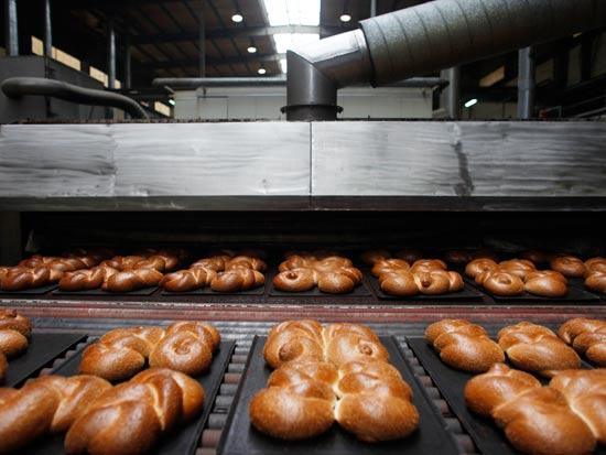 מאפיה לחם חלה לחמניות / צלם: רויטרס
